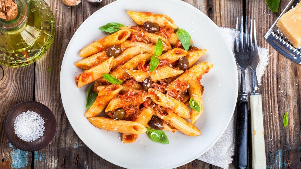 Receta de Macarrones a la italiana con salsa putanesca
