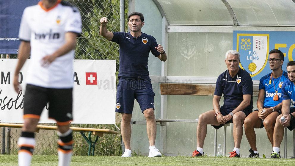 Marcelino da instrucciones durante el amistoso entre el Valencia y el Mónaco (Valencia Club de Fútbol)