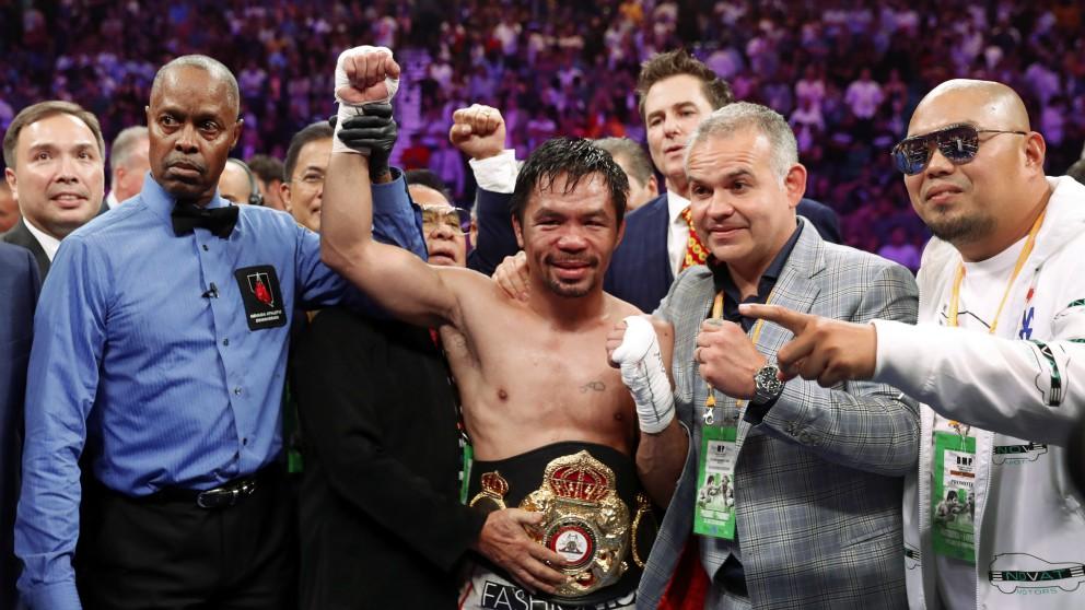 Pacquiao, con el cinturón de campeón mundial. (Getty)