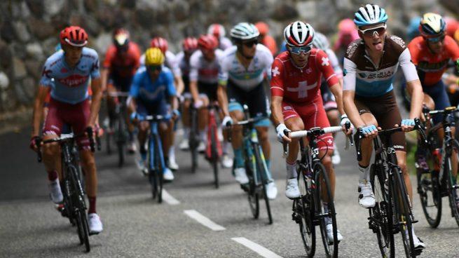 El pelotón en una etapa del Tour. (AFP)