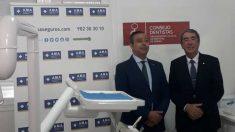Óscar Castro, presidente del Consejo General de Dentistas y patrono de la Fundación A.M.A., ha visitado las instalaciones de la clínica dental
