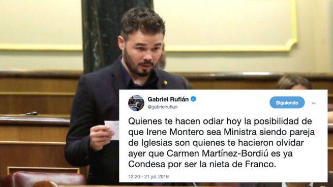 Rufián le da una patada al diccionario español y las redes se mofan de él