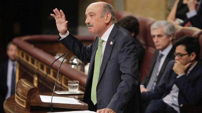 El partido de Revilla dice que no apoyará a Sánchez si hay acuerdos que se «saltan la Constitución»
