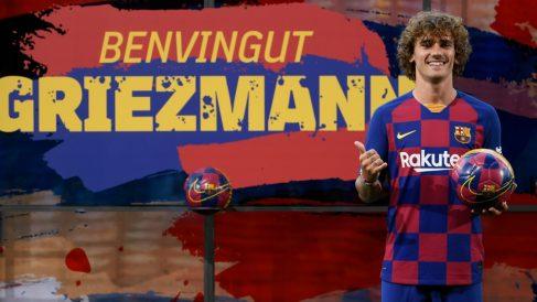 Griezmann posa con la camiseta del Barcelona. (AFP)