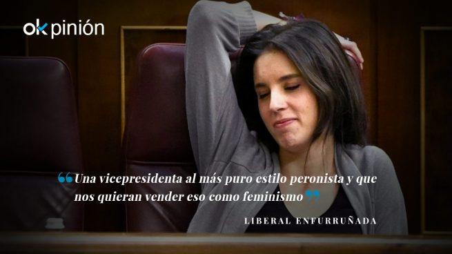 La becaria Irene Montero en el Consejo de Ministros