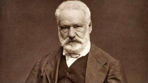 Víctor Hugo fue un poeta, novelista y dramaturgo francés que ha marcado la literatura del siglo XIX.