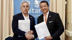 Alejandro Blanco, presidente del COE, y Alex Mejía, representante delInstituto de las Naciones Unidas para la Formación Profesional y la Investigación. (Foto: COE)