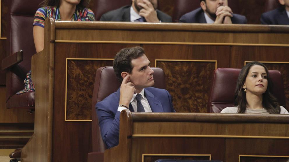 Albert Rivera e Inés Arrimadas este jueves en el Congreso de los Diputados. (Foto: Francisco Toledo).