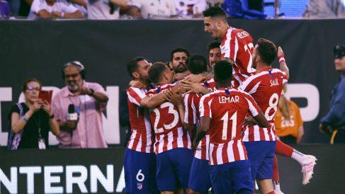 Los jugadores del Atlético celebran un gol frente al Real Madrid en la International Champions Cup 2019. (AFP)