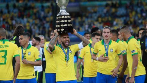 Dani Alves, campeón de la Copa América con Brasil (@DaniAlvesD2)