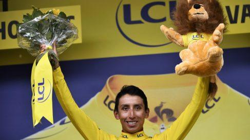 Bernal gana el primer Tour para Colombia. (AFP)