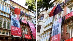 Los fotos de la fachada de la sede del PSOE en Navarra sin la bandera de España