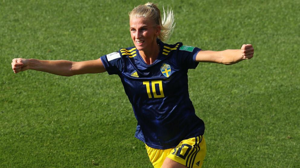Sofia Jakobsson celebra un gol con Suecia en el Mundial. (Getty)