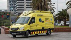 Una ambulancia desplazada hasta el lugar de los hechos. Foto: Europa Press