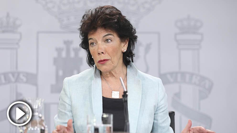La portavoz del Gobierno y ministra de Educación y Formación Profesional en funciones, Isabel Celaá, durante la rueda de prensa posterior al Consejo de Ministros. (Foto: Europa Press).