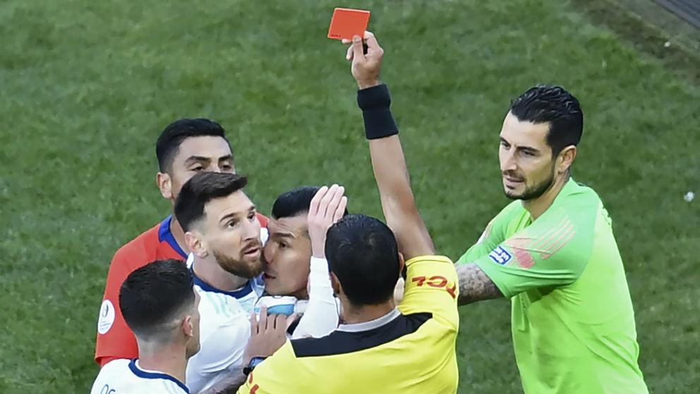Messi, expulsado en la Copa América. (AFP)
