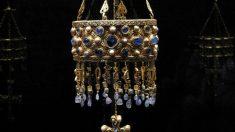 Una de las coronas votivas del Tesoro de Guarrazar conservadas en el Museo Arqueológico Nacional @Getty