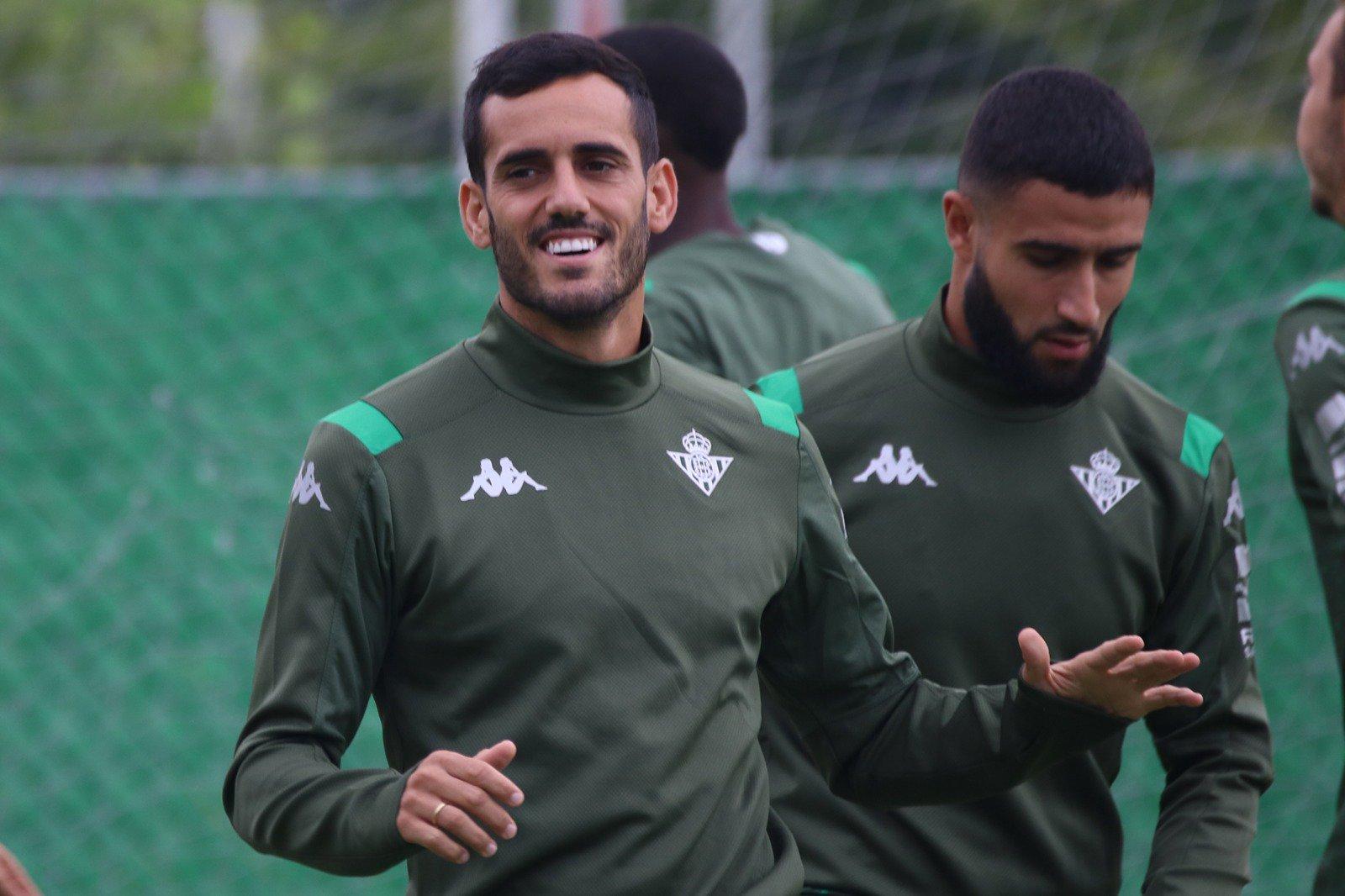 Juanmi Jiménez en un entrenamiento con el Betis (@Juanmi9395)
