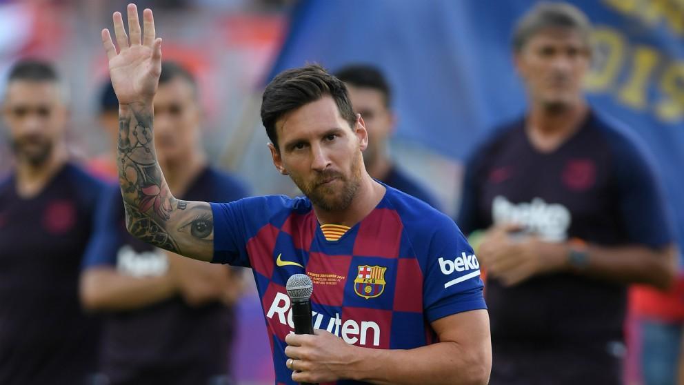 Leo Messi durante su discurso al Camp Nou. (AFP)