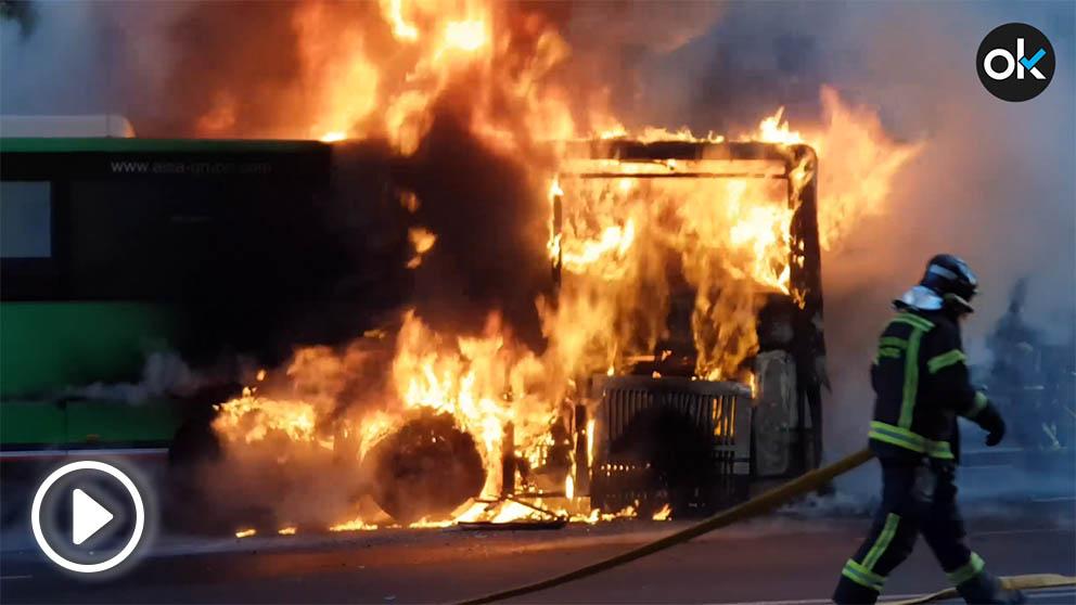 Autobús incendiado en Legazpi.