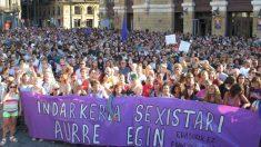 Miles de personas protestan en Bilbao contra la violación en grupo a una joven de 18 años. Foto: Europa Press