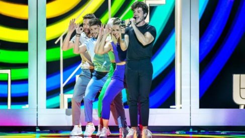 Miki en su actuación de 'Eurovisión'