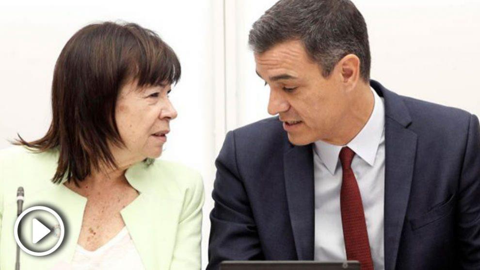 La presidenta del PSOE y vicepresidenta del Senado, Cristina Narbona, junto a Pedro Sánchez, presidente del Gobierno en funciones y posible candidato del PSOE a La Moncloa. Foto: EP