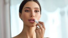 Pasos para pintarse los labios con efecto natural