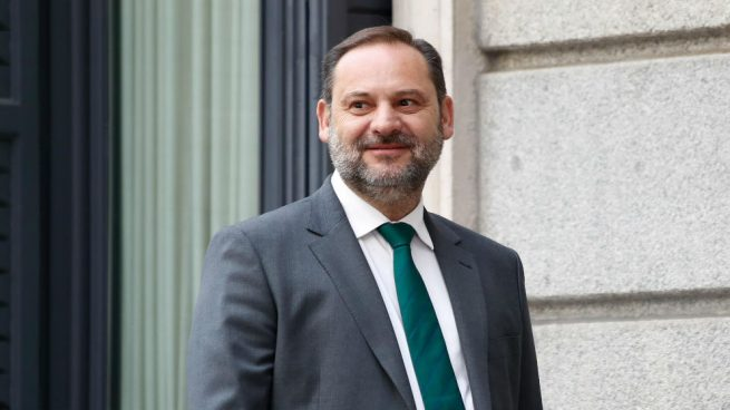 El secretario de Organización del PSOE y ministro de Fomento en funciones, José Luis Ábalos. (Foto: EP)