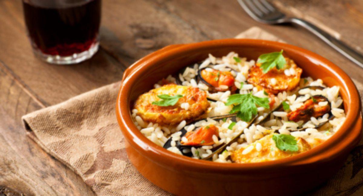Ensalada de arroz marinero, receta veraniega fácil de preparar
