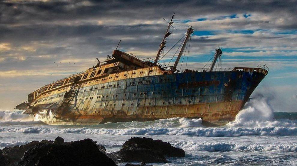 En Fuerteventura hay un barco abandonado rodeado de misterios