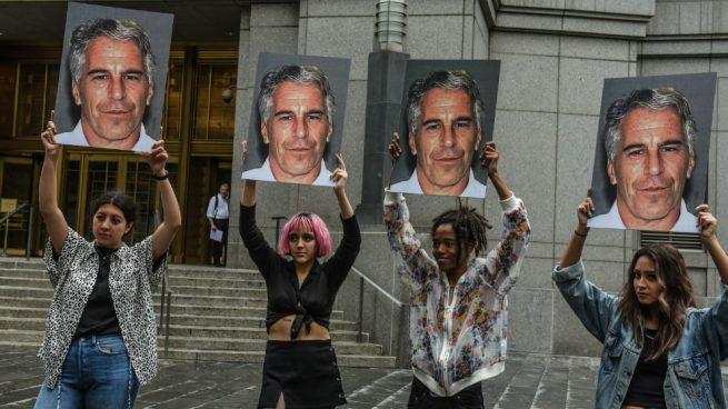 El millonario Jeffrey Epstein, acusado de explotación sexual de menores, se suicida en su celda