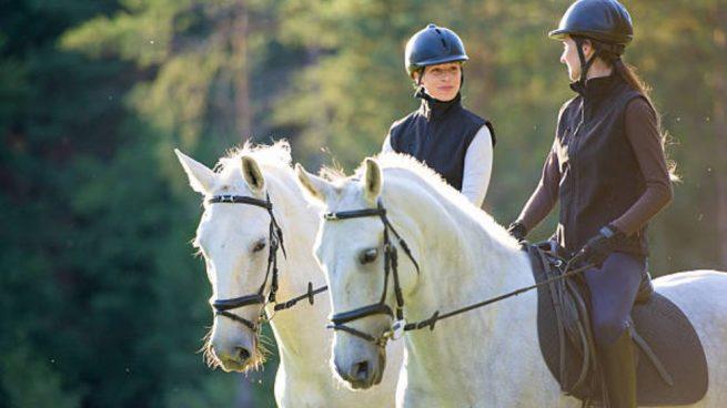 vestirse para montar a caballo