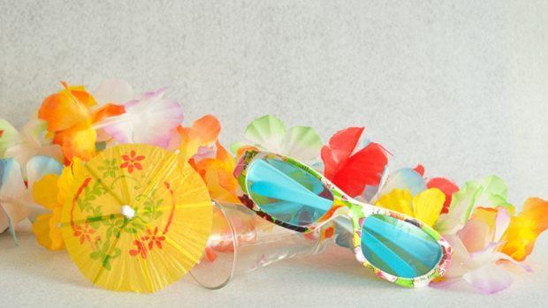 Cómo hacer un collar hawaiano con bolsas de plástico