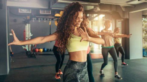 Guía de pasos para ponerse en forma bailando