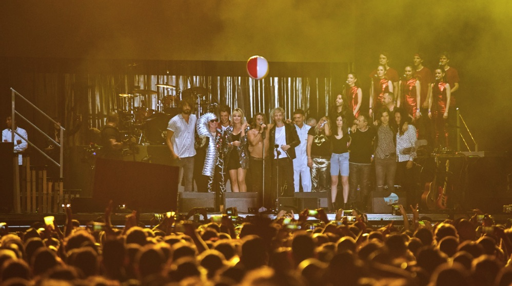 Nacho Cano en el final de su concierto en el Sonorama Ribera 2019.