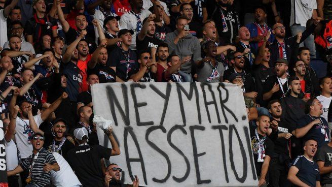 Una de las pancartas contra Neymar