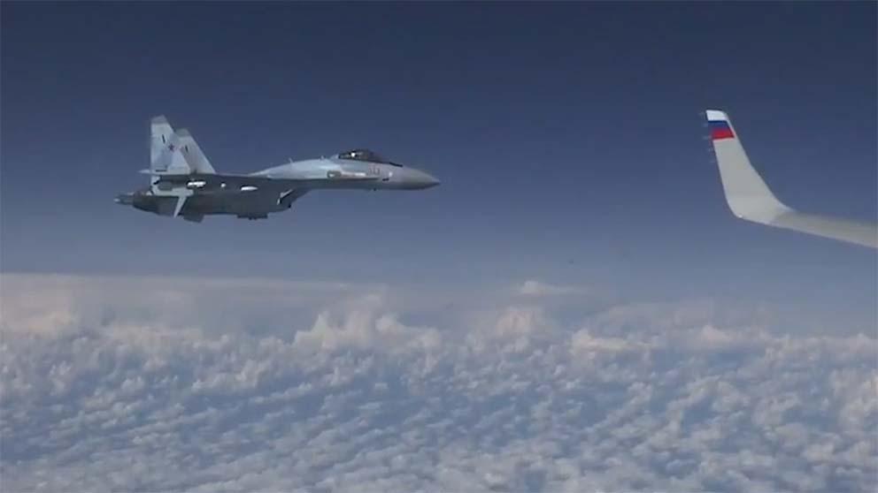 El caza Su-27 ruso que protagonizó el incidente con el F-18 español.