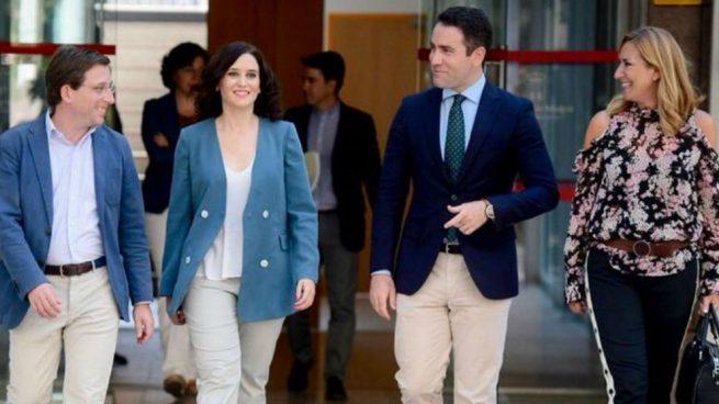 Casado alaba el «gran discurso» de Ayuso «para presidir la Comunidad de Madrid»