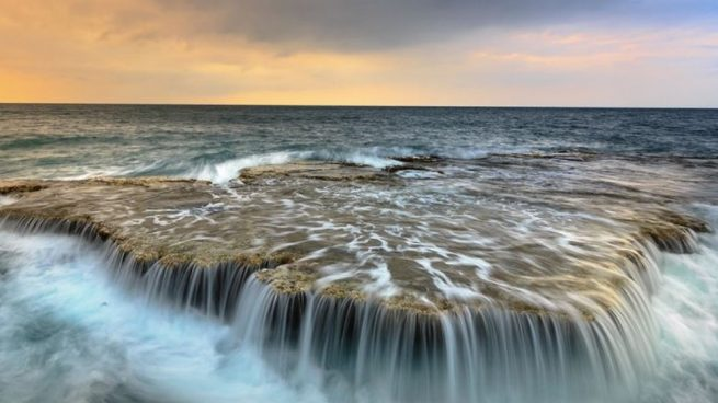 Sabemos que los océanos son enormes, y es que ocupan una importante superficie terrestre.