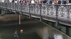 Activistas feministas protestan en Bilbao por las últimas agresiones sexuales en el País Vasco @Twitter