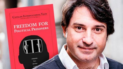 El diputado del PDeCAT Francesc de Dalmases, junto a la última portada de la revista 'Catalan International View'.