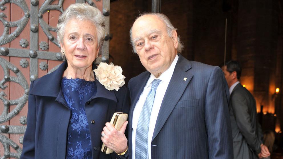 Jordi Pujol y Marta Ferrusola en una boda (Foto: Getty).