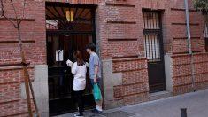 Fachada de la vivienda ubicada en el número 11 de la calle Tenerife, en el distrito de Tetuán (Foto: EFE)