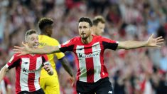 Aritz Aduriz celebra un gol frente al Barcelona (Athletic Club)