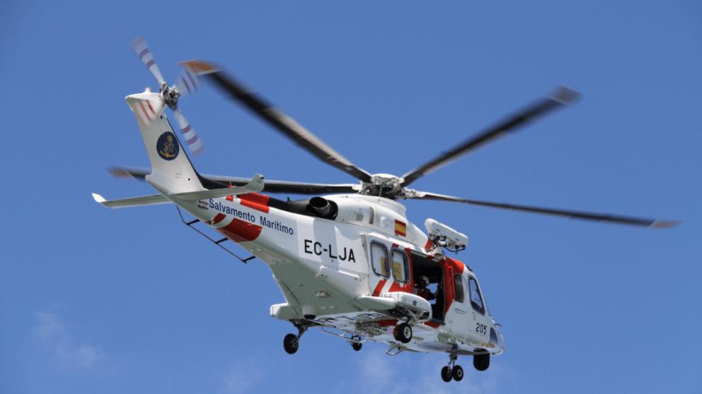 Un helicóptero de Salvamento Marítimo.