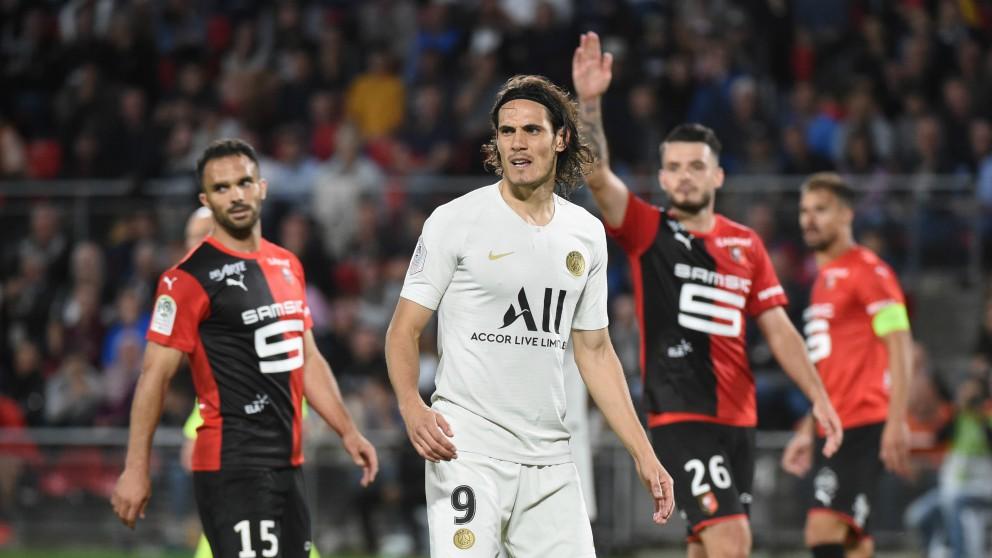 Cavani, en el encuentro frente al Stade Rennais. (AFP)