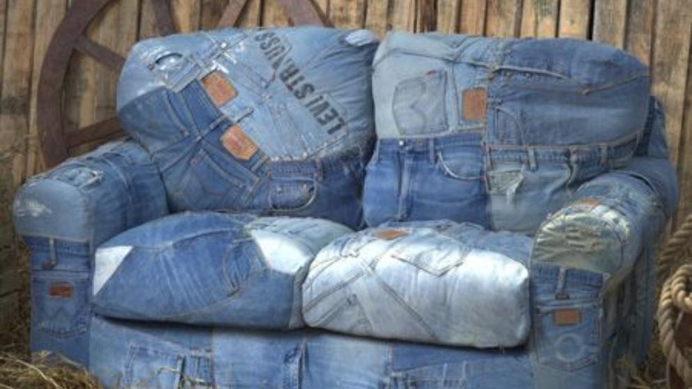 Pasos para tapizar sillas y sofás con vaqueros