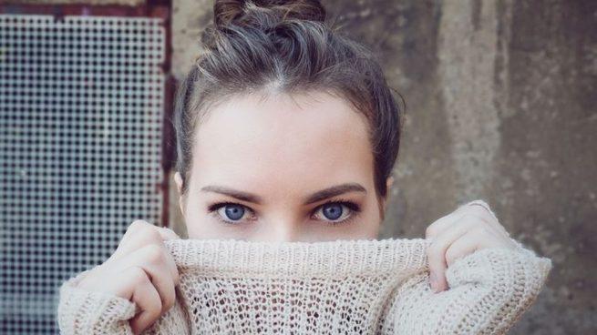 Tener los ojos rojos puede ser fruto de diversas causas.