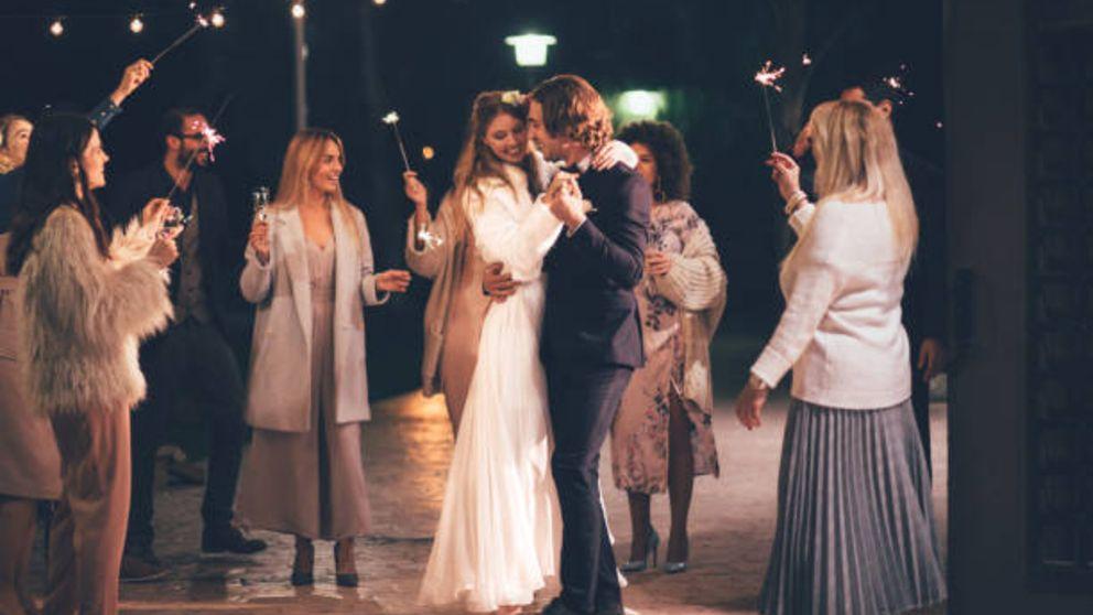 Pasos para saber cómo vestirse para una boda de noche